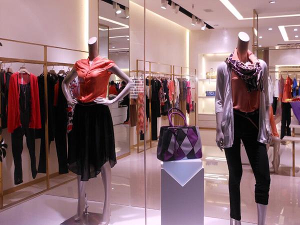上饶伊莎贝拉服装店选用锐宜会员积分管理软件